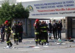 Atto di terrorismo davanti ad una scuola di Brindisi: muore una sedicenne