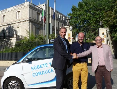 Andrea Lazzari, Tesoriere del Com.It.Es, Orazio Corva, Consigliere Delegato Car2Go e Pietro Mariani, Presidente del Com.It.Es